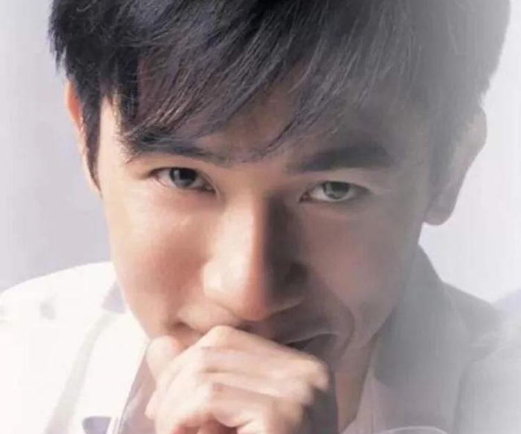 梁朝偉、古天樂年輕顏值超高!這些40+的香港男星後生時都是型爆男神