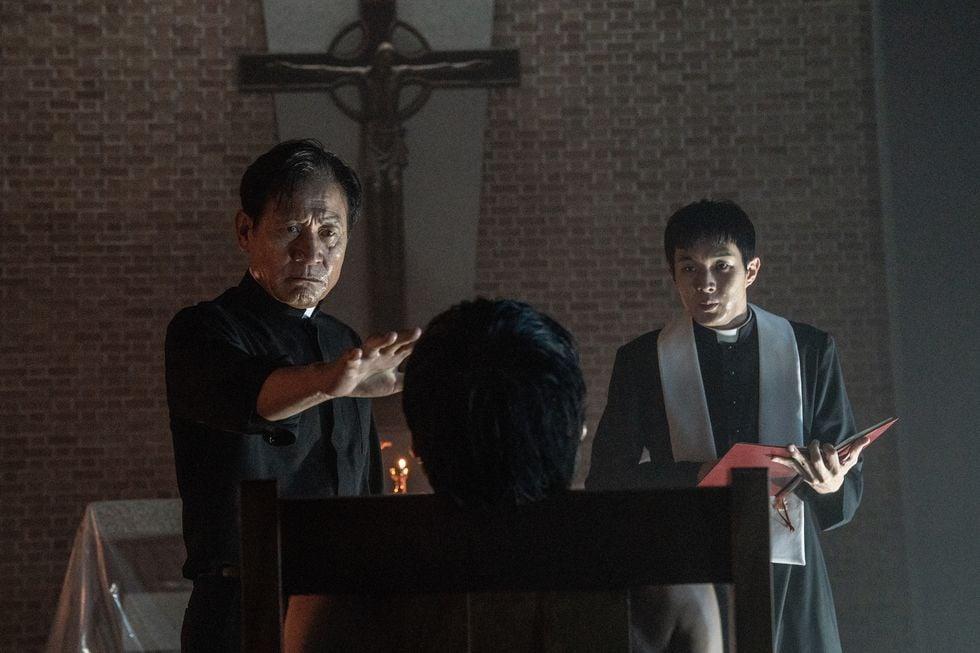 《上流寄生族》崔宇植客串朴敘俊新戲《驅魔使者》