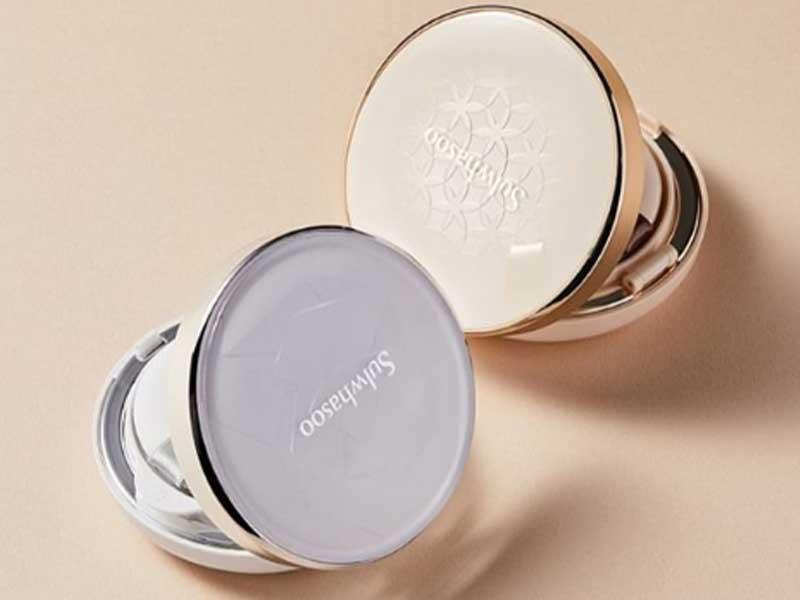 韓國品牌就強烈光澤感,比較亮澤、水潤