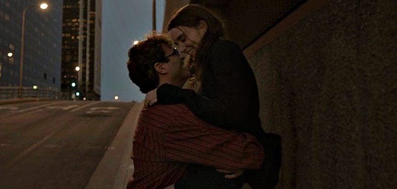 朗妮瑪娜拍攝《HER》的時候與華堅馮力士搭檔出演對方的情人