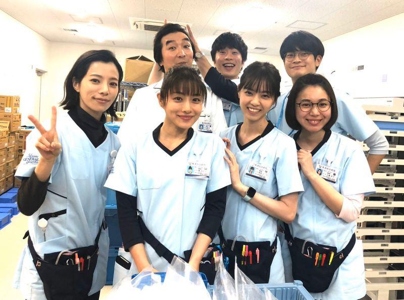 由石原里美、西野七瀨和田中圭主演的《默默奉獻的灰姑娘~醫院藥劑師的處方箋》,是首部以藥劑師為主角的日劇