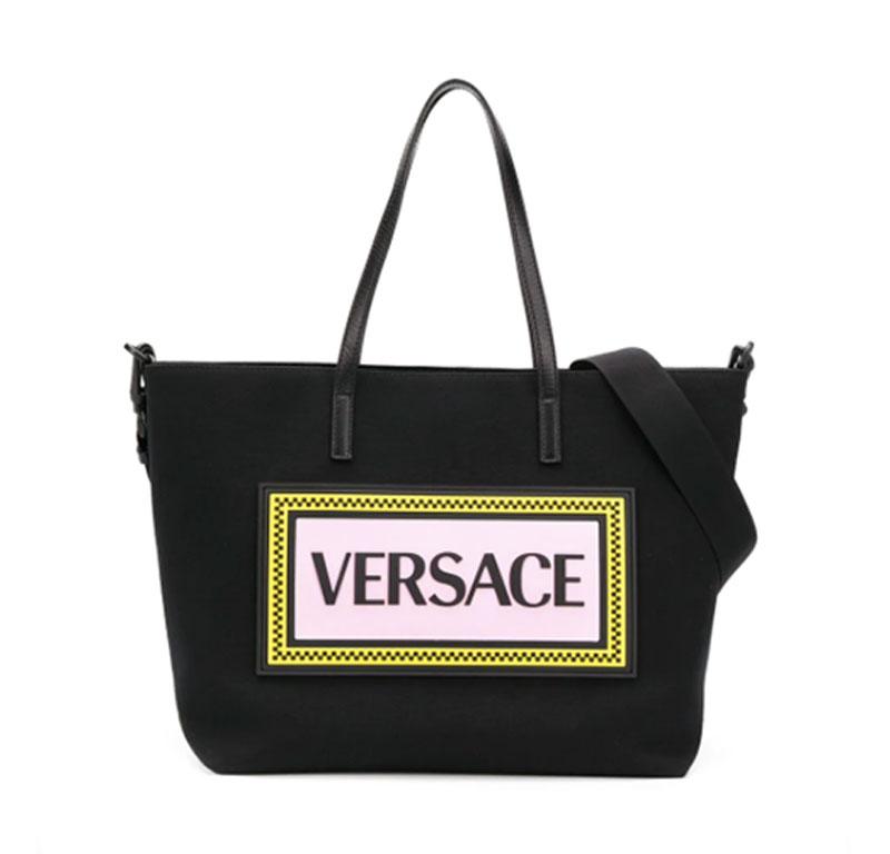 Young Versace 品牌標誌媽媽袋(原價 HK$6,415, 75折 HK$4,811)