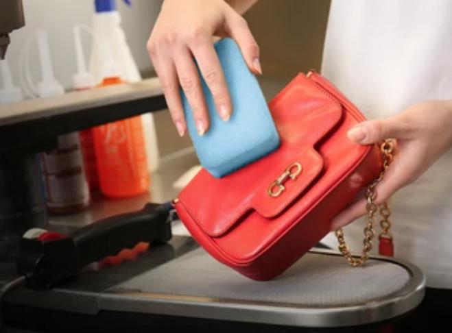 泡沫清潔劑乾洗袋身