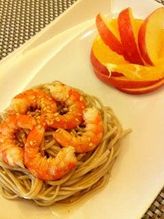 輕便午餐--日式鮮蝦涼拌蕎麥麵
