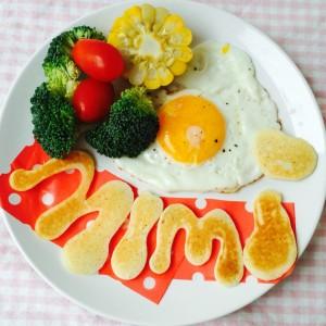 小女兒的早餐,就是把自己吃掉,她還給姐姐做了一份