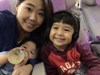 帶小孩出門●坐飛機