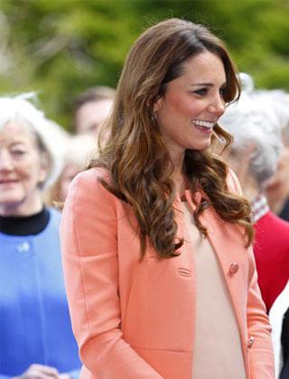 追踪凱特王妃產前、 產後衣著風