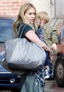 hilary duff- longchamp