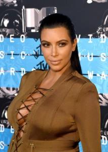 Kim-Kardashian-Kanye-West-2015-MTV-Music-Video-Awards-Red-Carpet-Fashion-Balmain-Tom-Lorenzo-Site-TLO-4