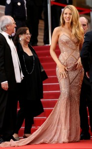 rs_634x1024-160511121139-634-blake-lively-cannes-2-2016