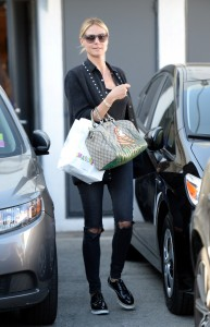 A flawless Heidi Klum leaves Meche salon after spending her Friday afternoon getting spoiled in Beverly Hills, California. Pictured: Heidi Klum Ref: SPL1292280 270516 Picture by: Splash Splash News and Pictures Los Angeles: 310-821-2666 New York: 212-619-2666 London: 870-934-2666 photodesk@splashnews.com