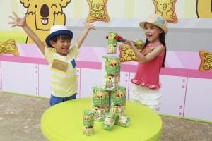 樂天熊仔層層疊遊戲讓小朋友於限時內,以機械手臂將熊仔餅盒砌成三層高熊仔餅塔。