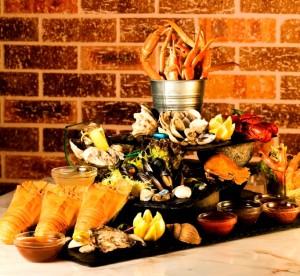 Crowne Plaza - 尚廚 (特色凍海鮮盤) 「$360 美食套餐」,讓食客以優惠價$360與親朋好友共享來自世界各地最頂級滋味