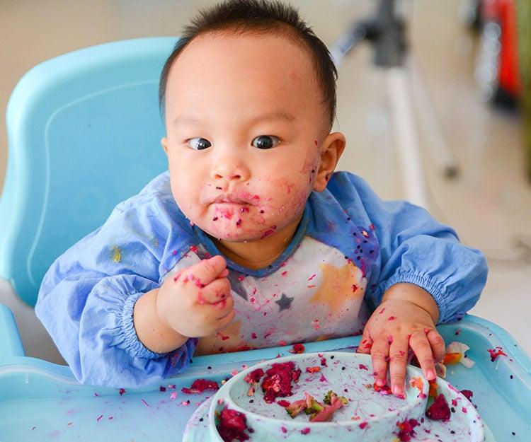 BLW斷奶加固真的好?認識何謂Baby Led Weaning|營養學家伍雅芬