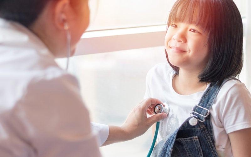 理財專家專欄|如何選擇適合自己兒女的醫療保障計劃?