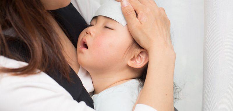 小朋友發燒,邊種探熱方法最準確?