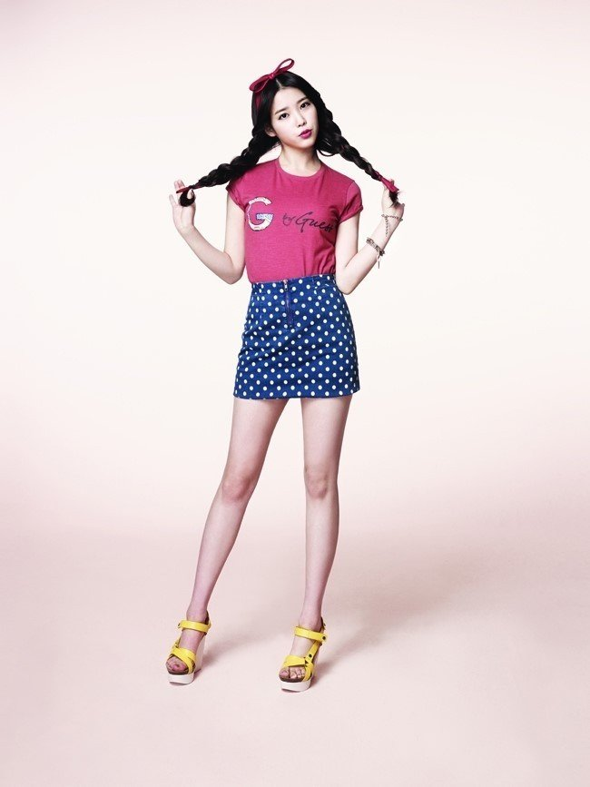 18464-iu-looks-cute-in-g-by-guess-photos