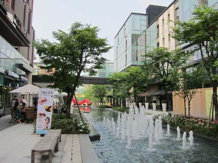 歐陸式的寫意購物空間Canal Walk