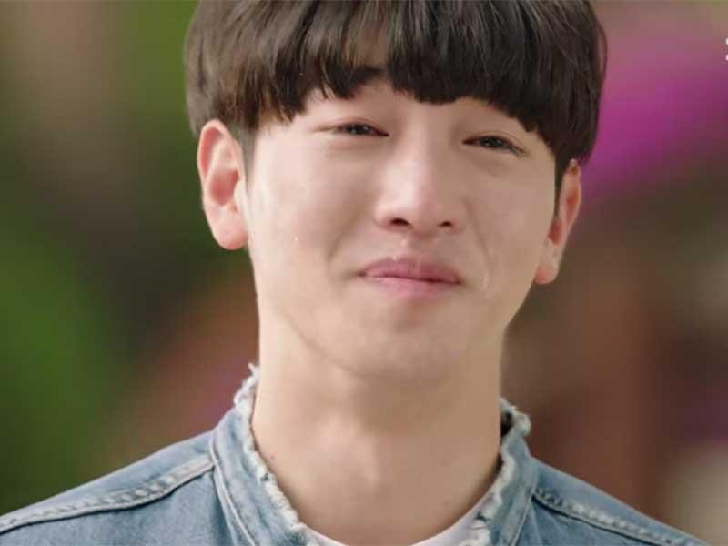 李太善的處男作正是參演師兄池晟主演的劇集《戲子》