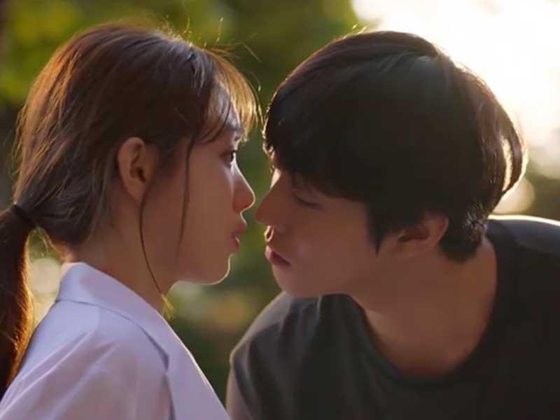 導演劉仁植也搶先預告,新一季的吻戲非常漂亮