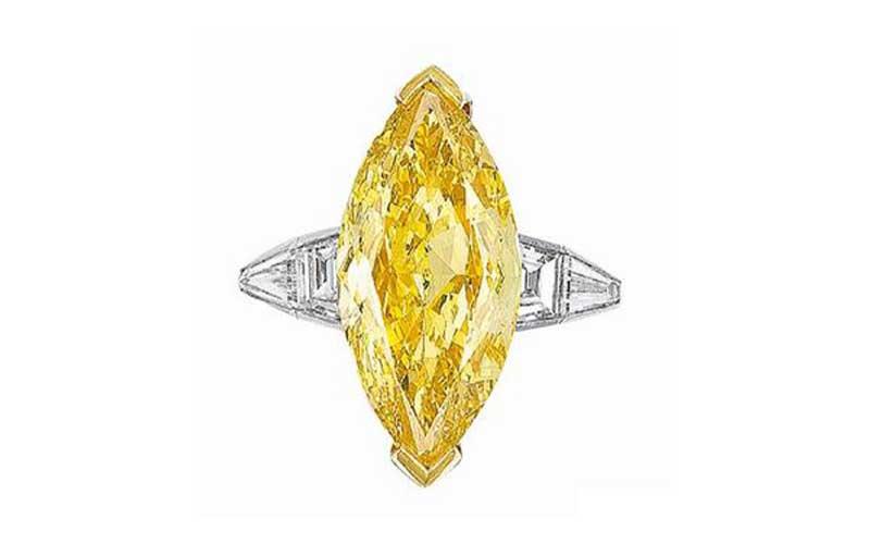 選擇較小型的彩鑽,配合本身形狀纖幼的如欖尖形主石