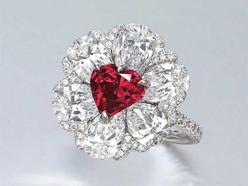 紅鑽為眾多彩鑽之中最罕見珍貴的石種